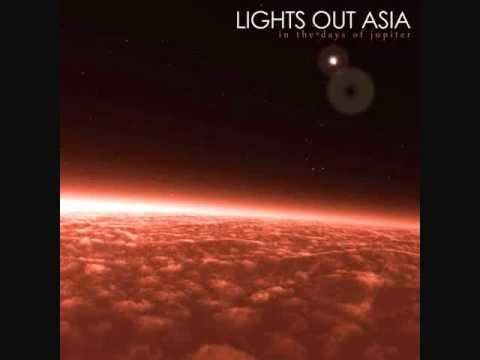 Lights out asia arbres paisible