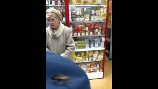 ТАРАКАН в Ивановском магазине(, 2015-04-12T08:32:37.000Z)