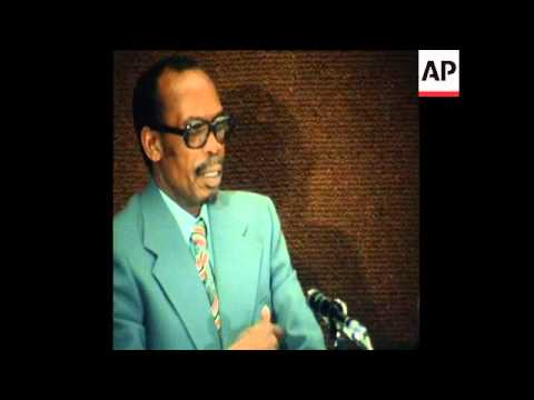 SYND 24 6 77 PRESIDENT OF BOTSWANA, SIR SERETSE KHAMA PRESS CONFERENCE IN BRUSSELS