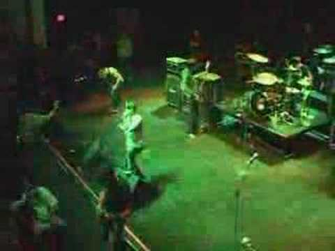 Silverstein The Weak And The Wounded Live