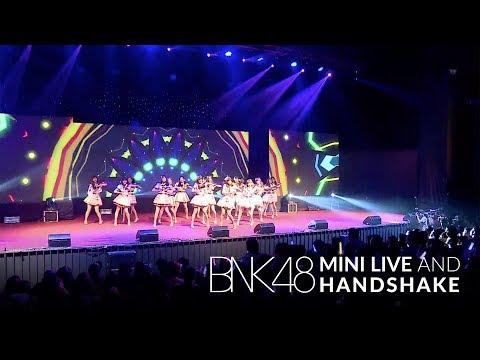 「Koisuru Fortune Cookie –คุกกี้เสี่ยงทาย–」from BNK48 Mini Live and Handshake / BNK48