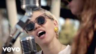 Happy Hippie Presents: Androgynous (Performed by Miley Cyrus, Joan Jett & Laura Jane Gr...