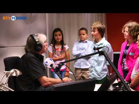 Klas uit Noordbroek te gast bij NOS Jeugdjournaal - RTV Noord