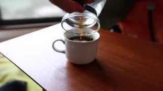 「憂うつはコーヒーカップの中」アライヨウコ 作詞/作曲/演奏 アライヨ...