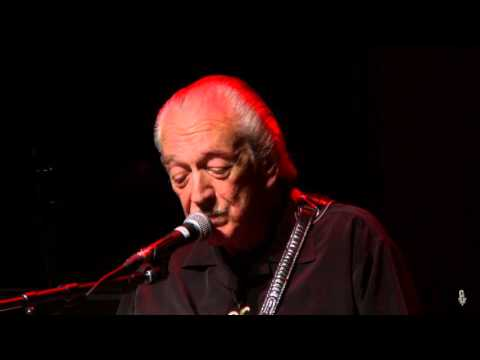 Charlie Musselwhite - Crying Won't Help You (eTown webisode #931)