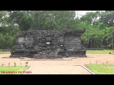 Part 01 Of 10-The Mysterious Ancient Javanese Temple-TEGOWANGI 1400 AD-The Temple Entrance