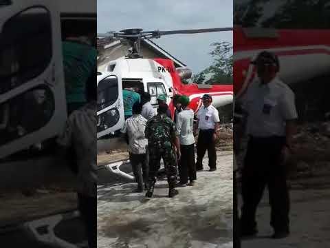 Pulang umroh pake helikopter mendarat nya di depan rumah