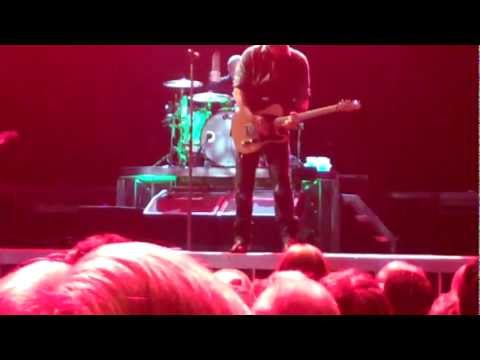 Lost in the Flood--Bruce Springsteen & The E St Band Glendale, AZ (2012-12-06)