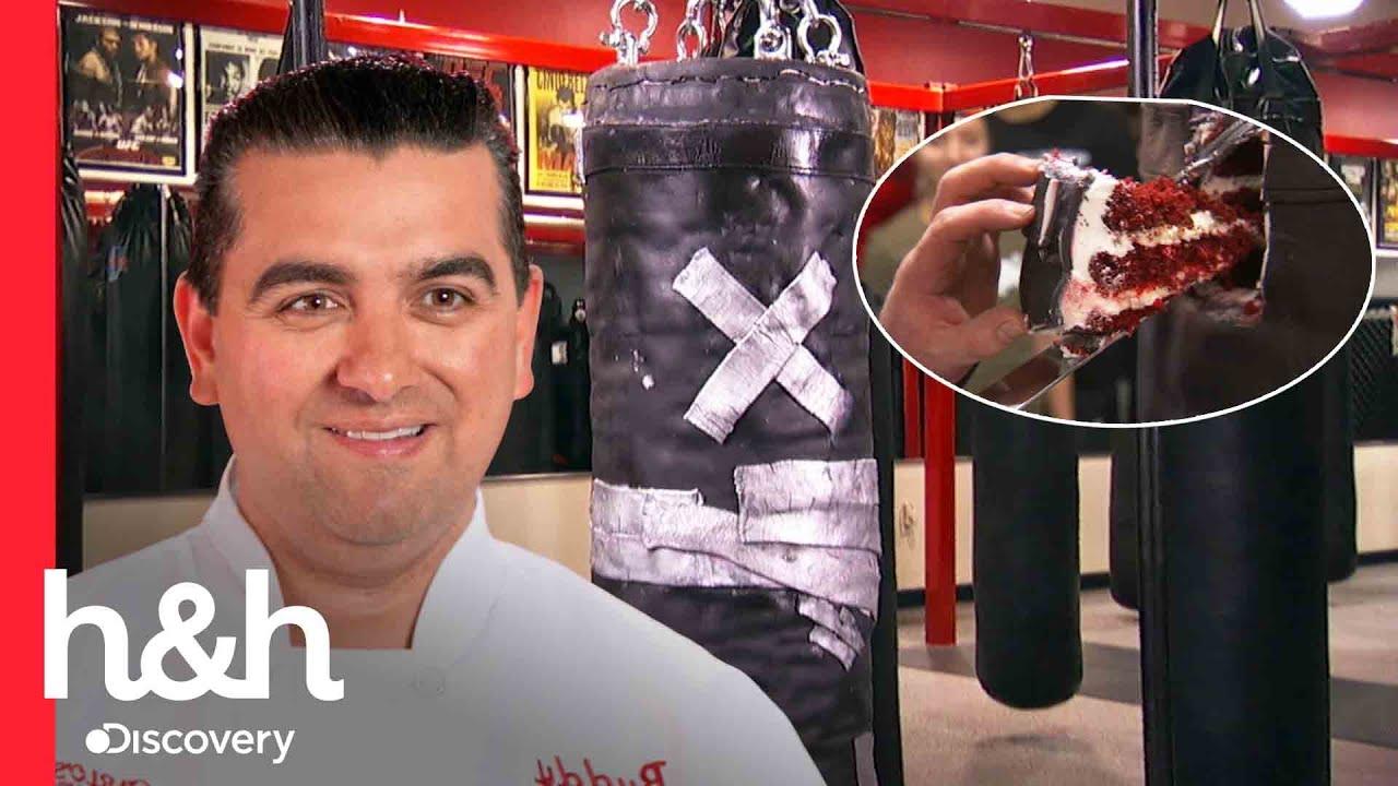 Download Buddy salta al ring con este pastel idéntico a un saco de boxeo | Cake Boss | Discovery H&H