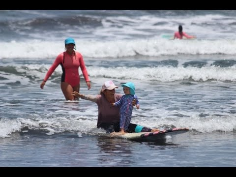 e1b4c7566a5d Pregnancy & surfing with Holly Beck - SurfGirl Magazine