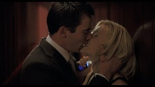 Поцелуй и ссора в театре — Матч Поинт, 2005