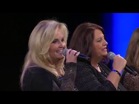 """Karen Peck & New River """"I Want To Know How It Feels"""" at NQC 2015"""