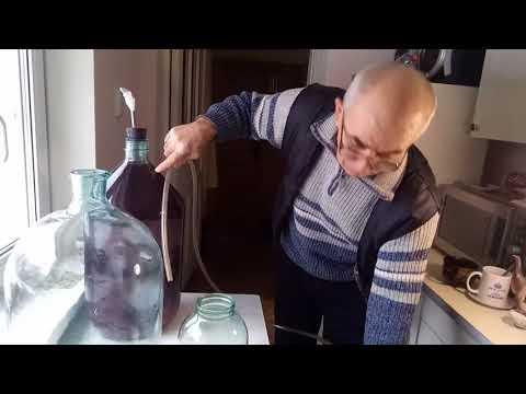 Снятие с осадка вина в домашних условиях