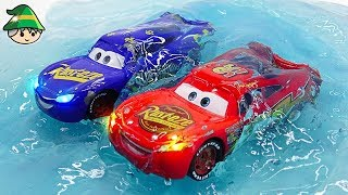 Disney cars jelly play car wash play. Slime for kids and McQueen