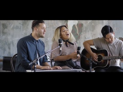 Hillsong Young & Free // Trust // New Song Cafe