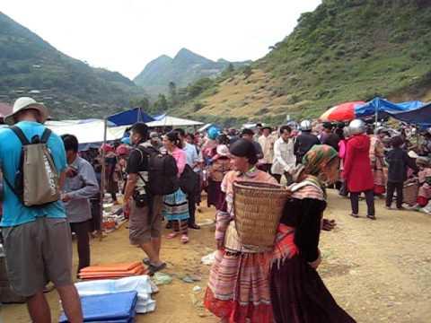 Can Cau Market - Vietnam