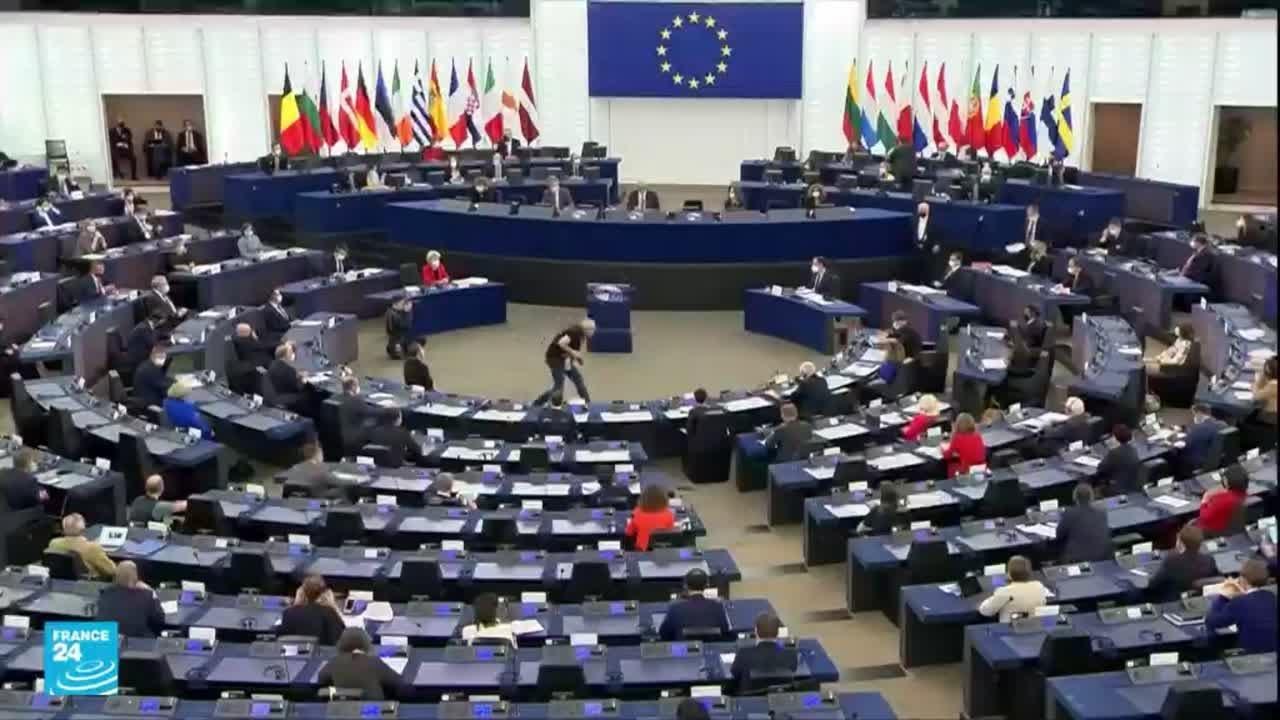 بروكسل تهدد وارسو باتخاذ إجراءات عقابية • فرانس 24  - نشر قبل 2 ساعة