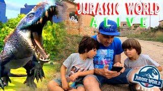 JURASSIC WORLD ALIVE 🦖COMBATES junto a un viejo CEMENTERIO😱Juegos y aplicaciones para niños