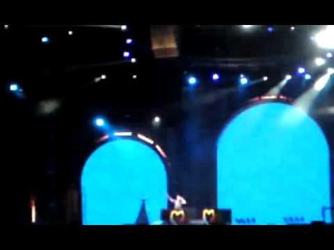 Amine K playin Dar Gnawa @ Mawazine Festival 2010