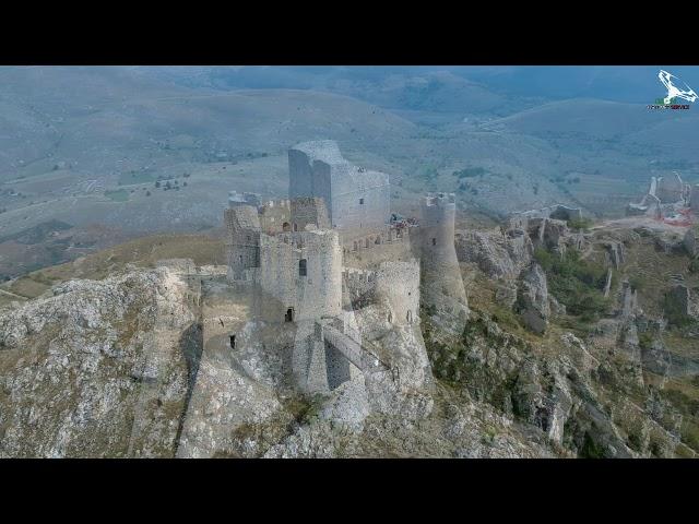 Castello di Rocca Calascio e le rondini....