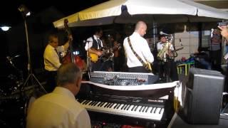 La Nuova Era - Maria Elena(instrumental) - live in Calvello/gelateria La Piazzetta 19-07-15