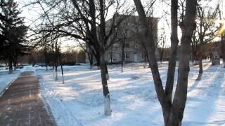 Одесская область: дети играют у могилы(Райцентр Ивановка, Одесская область., 2013-01-09T20:43:22.000Z)