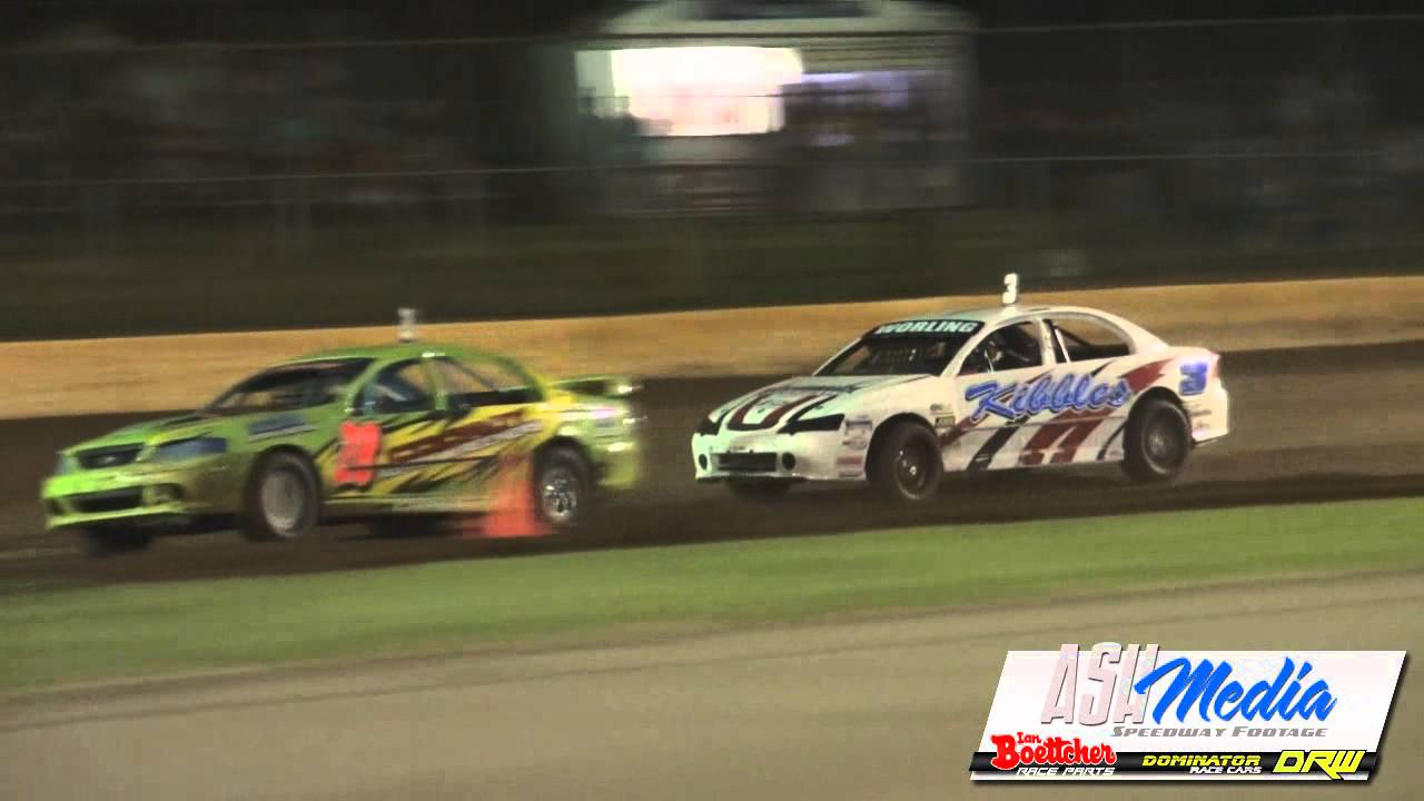 Modified Sedans Raymont And Worling Battle Kingaroy Speedway