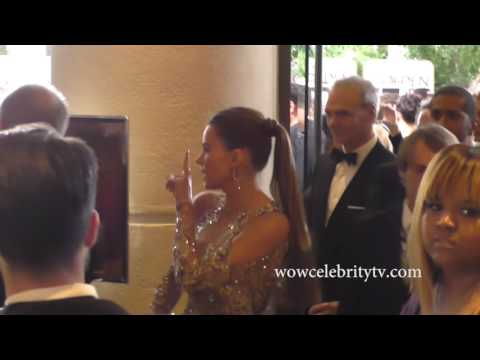 Sofia Vergara in The Lobby at The Golden Globes