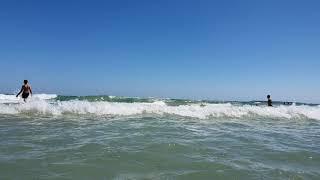 Волны сбивают всю одежду- это море надо видеть. Отдых в Болгарии 2020