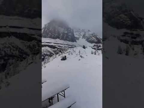 CORTINA D'AMPEZZO: stupenda nevicata al Rifugio Scoiattoli!