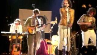 Tirando piedras al rio (En vivo, La Plata, 1/6/2007)