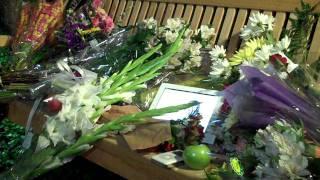 Steve Jobs Dead: Vigil Outside Apple Headquarters in Cupertino, California