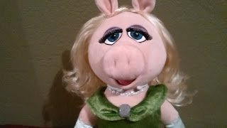 "The Muppets Most Wanted Disney Store ""Miss Piggy Plushie"" Re-styled Hair"