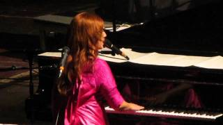 Tori Amos - Tear in Your Hand @ Helsinki 28.9.2011