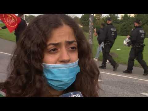Deutschland * Polizei muss bei Kurden Demo einschreiten * Was ist in Deutschland nur los ? Unfähig ?