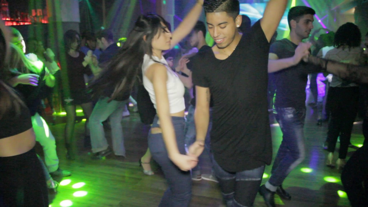 "Download Maxi and Lilachy @Social Sensual bachata dance ""Reggaeton Lento"""