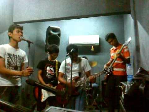 download BLADINSKY_ AIR MATA ULANG TAHUNKU_ ARMADA STUDIO_ 31 OKTOBER 2010