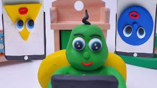 Green Baby LEARNS SHAPES WITH IPAD - Stop Motion Cartoons For Kids