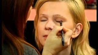 Я прекрасна: ежедневный макияж(, 2012-01-30T13:43:05.000Z)