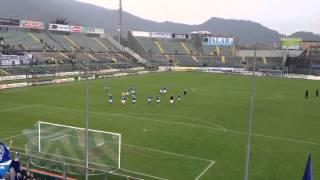 Brescia-Novara : i giocatori ringraziano i tifosi , cori pe