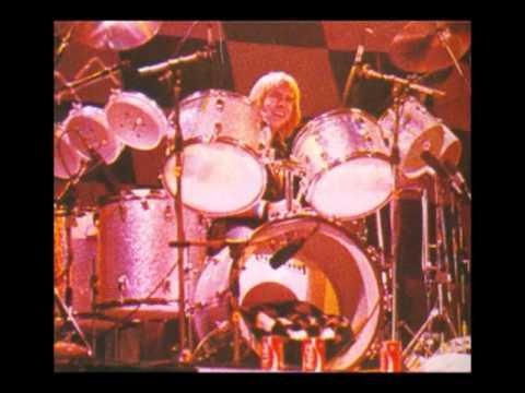 Derek Longmuir (Bay City Rollers) - Angel Baby (slide show)