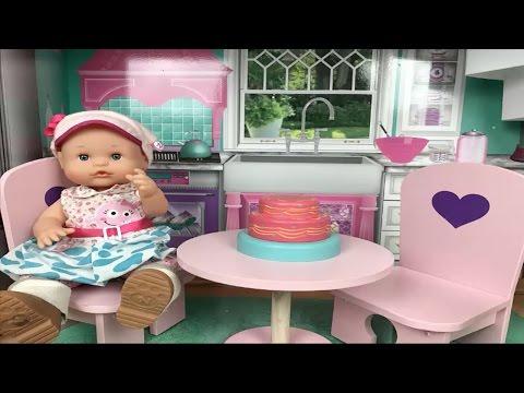 Bebé Nenuco Lola EN SU NUEVA CASA GIGANTE DE MUÑECAS/videos de nenuco en español cap 161