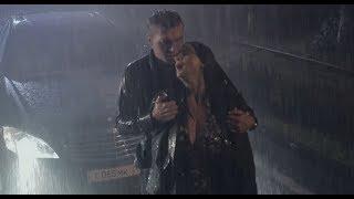 Екатерина Стриженова под дождем