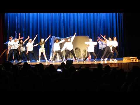South Burlington High School - 2018 Talent Night - Class of 2021 Dance Routine