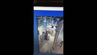  بالفيديو.. شاحن جوال متنقل يتسبب في حريق متجر شهير بحائل