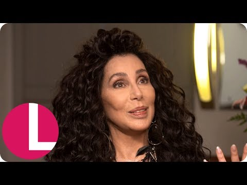 Lorraine Tries to Persuade Cher to Go on RuPaul's Drag Race! | Lorraine Mp3