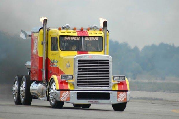 Объявления о продаже грузовиков и другой спецтехники цены на автобусы, автокраны, грузовики, бульдозеры и тягачи бу и новые в россии на avito.