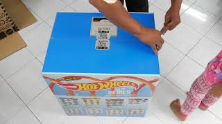 Unboxing Hot Wheels 2017 Factory Sealed Set