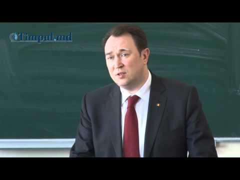 TIMPUL.MD VIDEO: Alexandru Tănase dezbate problemele politice cu studenţii de la USM