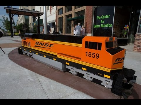"BNSF unveils ""pocket park"" in downtown Topeka, Kansas"